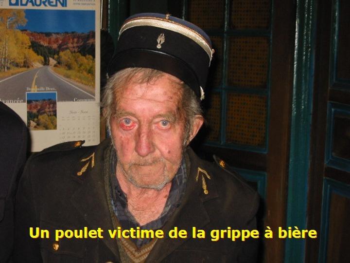 vendredi 24 juillet Poulet-victime-grippe-aviaire-20090427-162500